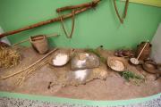 allestimento diorama con repliche archeologiche preistoria